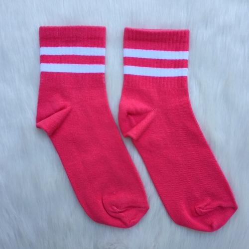 Beyaz Şeritli Pembe Çorap