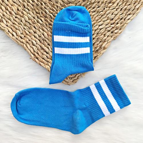 Beyaz Şeritli Mavi Çorap
