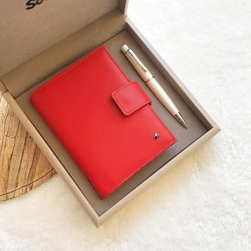Scrikss Hakiki Deri Kırmızı Cep Ajandası ve 62 Beyaz Tükenmez Kalem Seti Kutulu