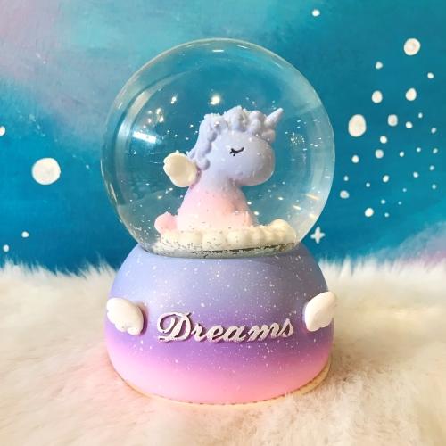 Unicorn Love Büyük Boy Püskürtmeli Kar Küresi